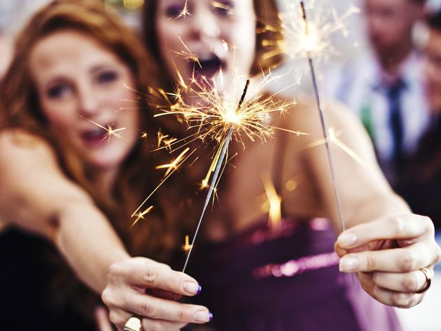 girls_celebrating_new_years__medium_4x3